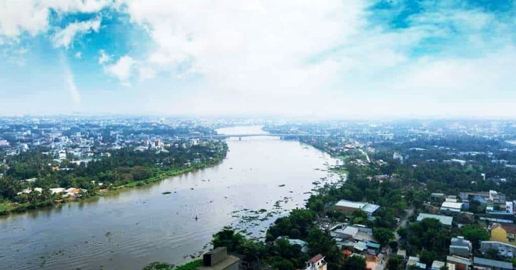 Dòng sông Sài Gòn êm đềm